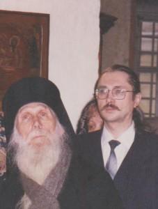 s_batyushkoj_kirillom_v_monastyre3a