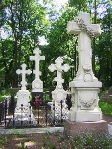 Тютчев. Памятник на Новодевичьем кладбище СПб