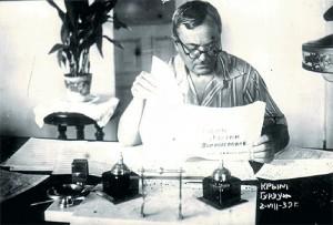 Александр Александров во время работы над гимном